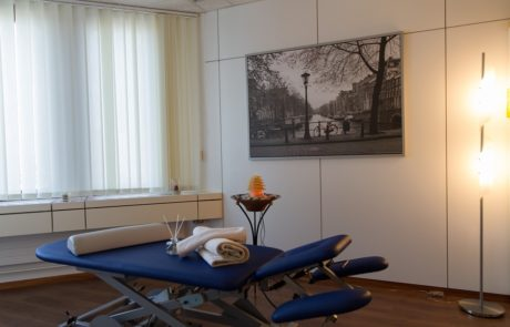 Praxis Lanz Zürich Massagetisch